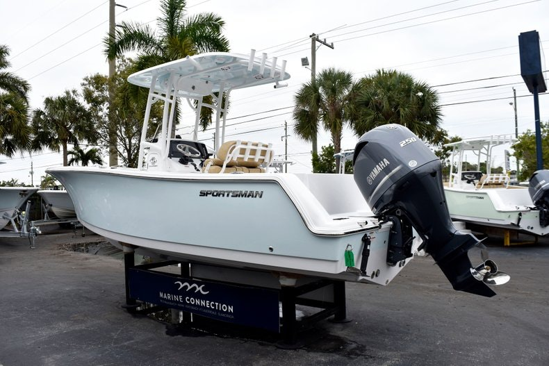 Thumbnail 5 for New 2019 Sportsman Open 232 Center Console boat for sale in Vero Beach, FL
