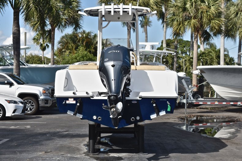 Thumbnail 6 for New 2019 Sportsman Heritage 231 Center Console boat for sale in West Palm Beach, FL