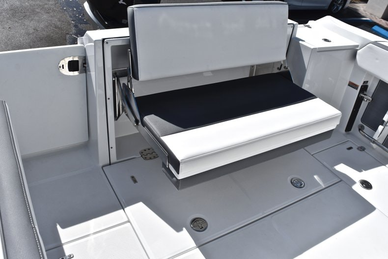 Thumbnail 20 for New 2019 Blackfin 242CC boat for sale in Miami, FL