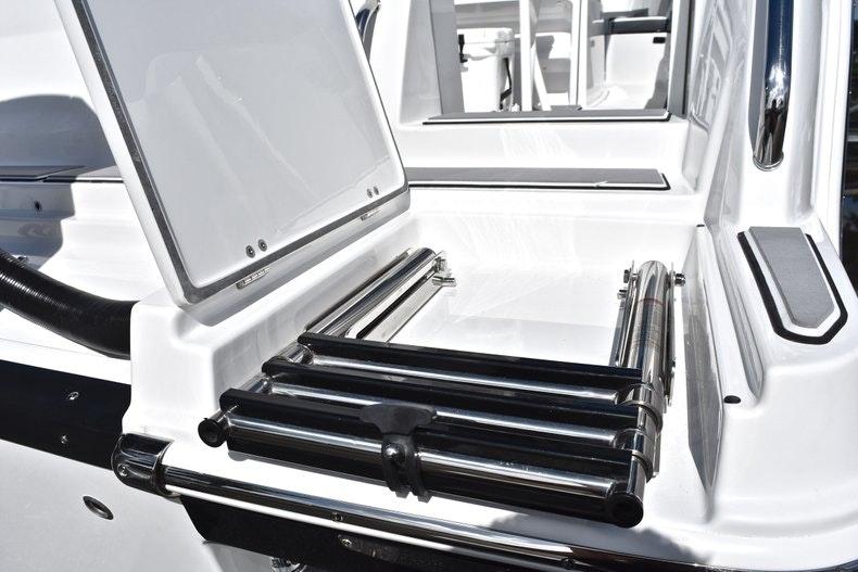 Thumbnail 11 for New 2019 Blackfin 242CC boat for sale in Miami, FL