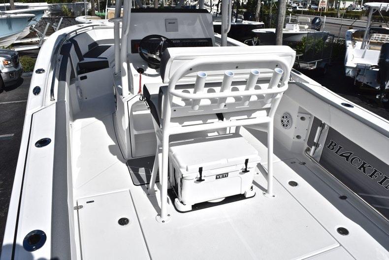 Thumbnail 14 for New 2019 Blackfin 242CC boat for sale in Miami, FL