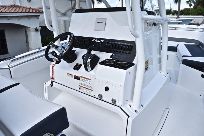 Thumbnail 38 for New 2019 Blackfin 242CC boat for sale in Miami, FL
