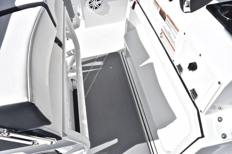 Thumbnail 47 for New 2019 Blackfin 242CC boat for sale in Miami, FL