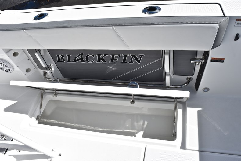 Thumbnail 26 for New 2019 Blackfin 242CC boat for sale in Miami, FL