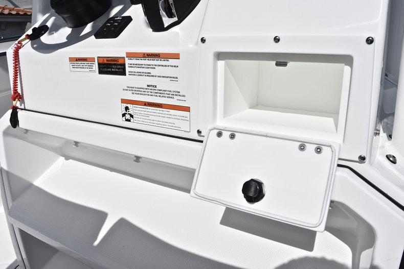 Thumbnail 48 for New 2019 Blackfin 242CC boat for sale in Miami, FL