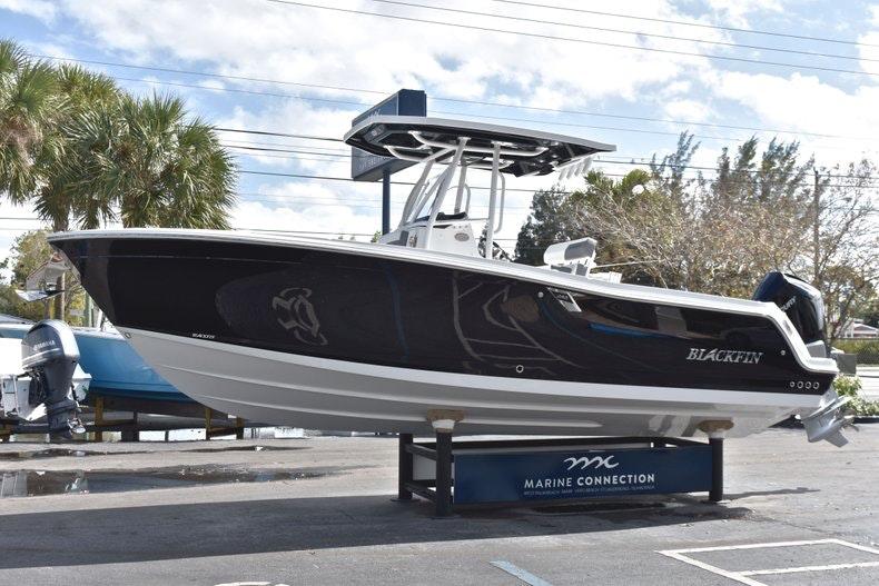 Thumbnail 4 for New 2019 Blackfin 242CC boat for sale in Miami, FL