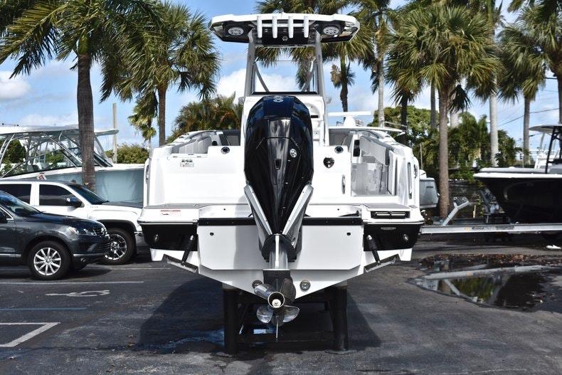 Thumbnail 7 for New 2019 Blackfin 242CC boat for sale in Miami, FL
