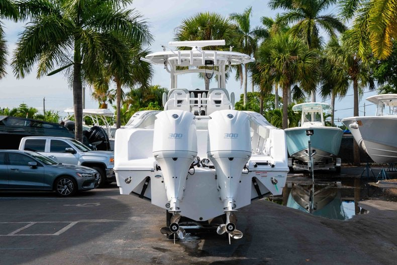 Thumbnail 6 for New 2019 Sportsman Open 312 Center Console boat for sale in Vero Beach, FL