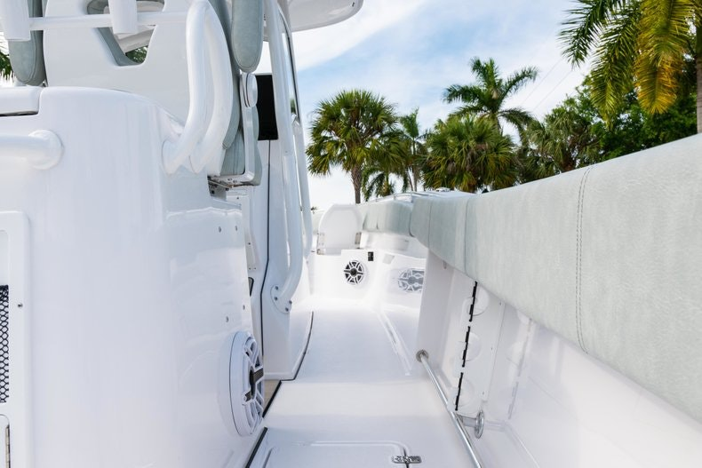 Thumbnail 12 for New 2019 Sportsman Open 312 Center Console boat for sale in Vero Beach, FL