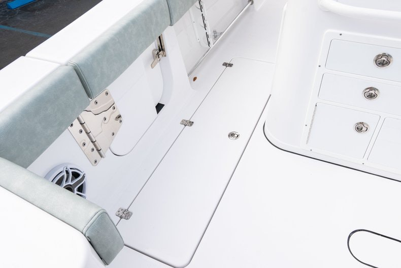 Thumbnail 16 for New 2019 Sportsman Open 312 Center Console boat for sale in Vero Beach, FL