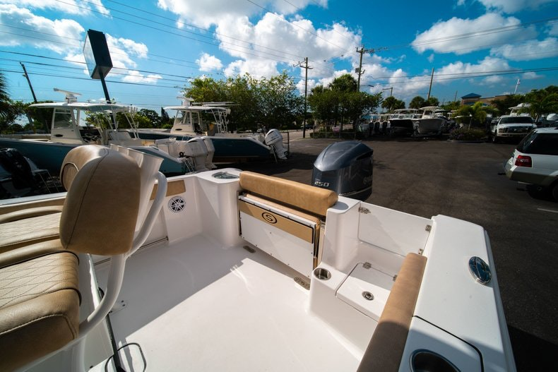 Thumbnail 10 for New 2019 Sportsman Open 232 Center Console boat for sale in West Palm Beach, FL