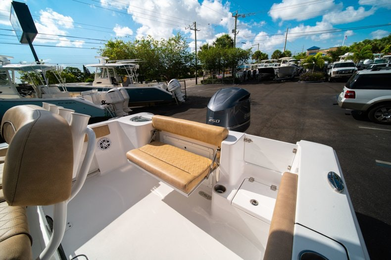 Thumbnail 11 for New 2019 Sportsman Open 232 Center Console boat for sale in West Palm Beach, FL