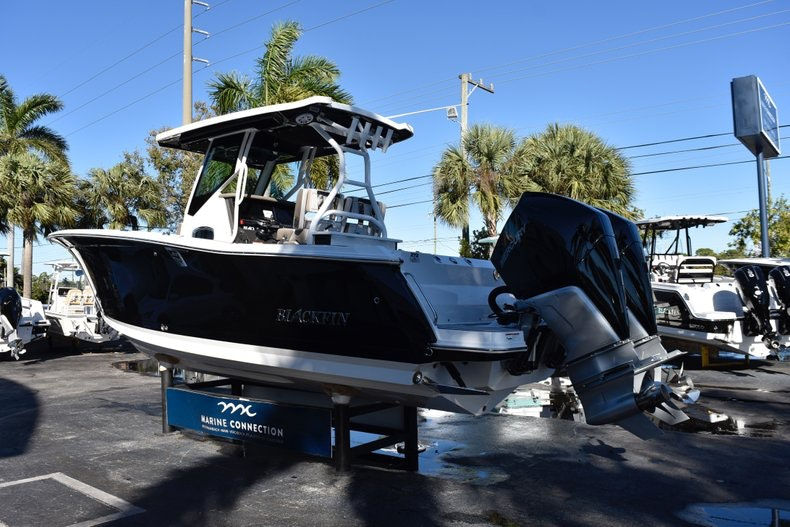 Thumbnail 5 for New 2019 Blackfin 272CC Center Console boat for sale in Fort Lauderdale, FL