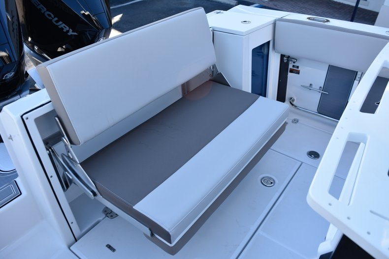 Thumbnail 18 for New 2019 Blackfin 272CC Center Console boat for sale in Fort Lauderdale, FL