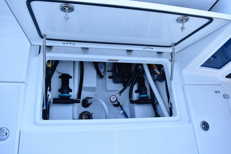Thumbnail 22 for New 2019 Blackfin 272CC Center Console boat for sale in Fort Lauderdale, FL