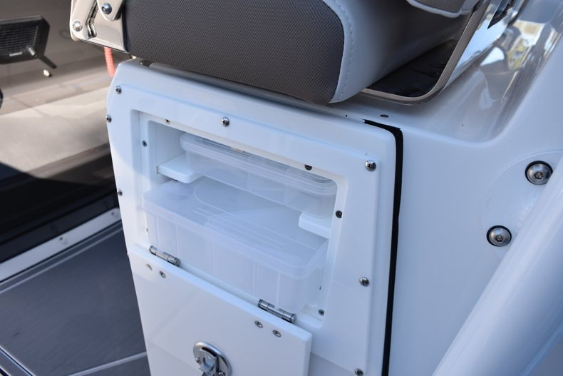 Thumbnail 35 for New 2019 Blackfin 272CC Center Console boat for sale in Fort Lauderdale, FL