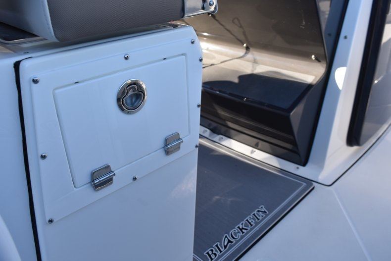 Thumbnail 32 for New 2019 Blackfin 272CC Center Console boat for sale in Fort Lauderdale, FL