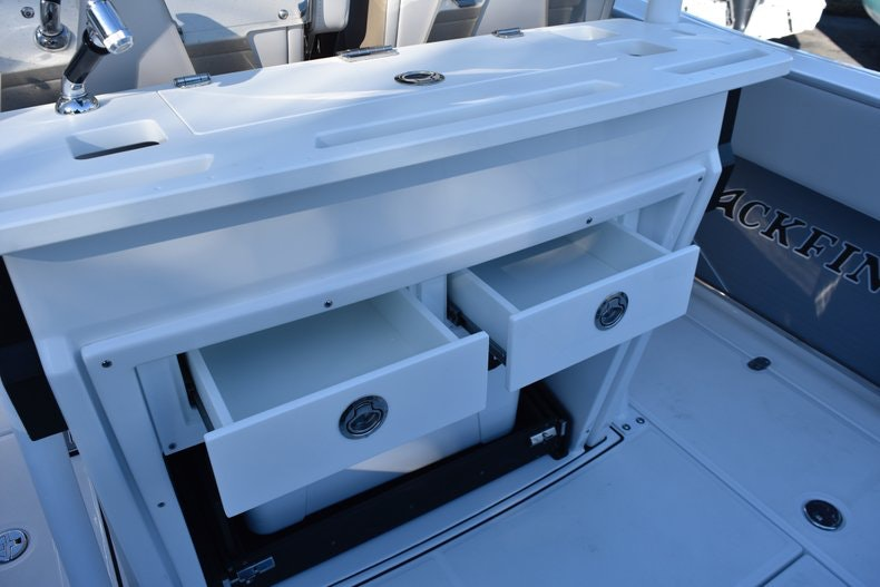 Thumbnail 31 for New 2019 Blackfin 272CC Center Console boat for sale in Fort Lauderdale, FL