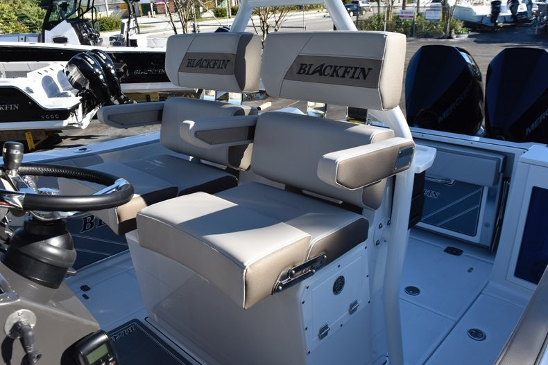 Thumbnail 37 for New 2019 Blackfin 272CC Center Console boat for sale in Fort Lauderdale, FL