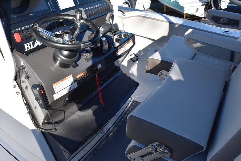 Thumbnail 41 for New 2019 Blackfin 272CC Center Console boat for sale in Fort Lauderdale, FL