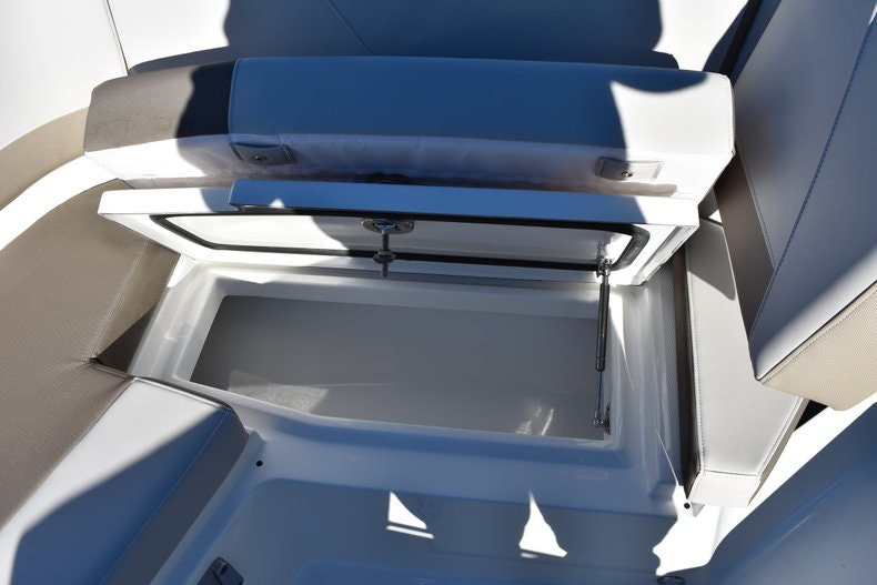 Thumbnail 76 for New 2019 Blackfin 272CC Center Console boat for sale in Fort Lauderdale, FL