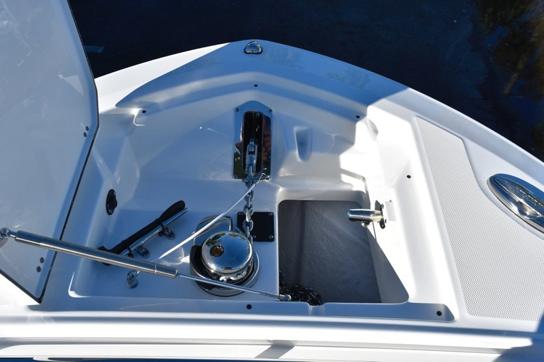 Thumbnail 79 for New 2019 Blackfin 272CC Center Console boat for sale in Fort Lauderdale, FL
