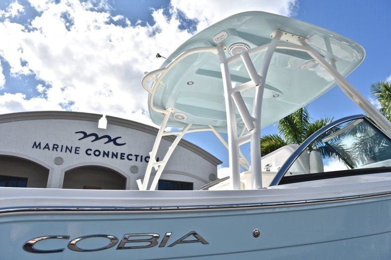 Thumbnail 9 for New 2019 Cobia 240 DC boat for sale in Vero Beach, FL