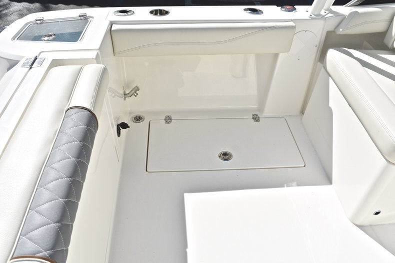 Thumbnail 21 for New 2019 Cobia 240 DC boat for sale in Vero Beach, FL