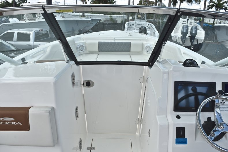 Thumbnail 58 for New 2019 Cobia 240 DC boat for sale in Vero Beach, FL