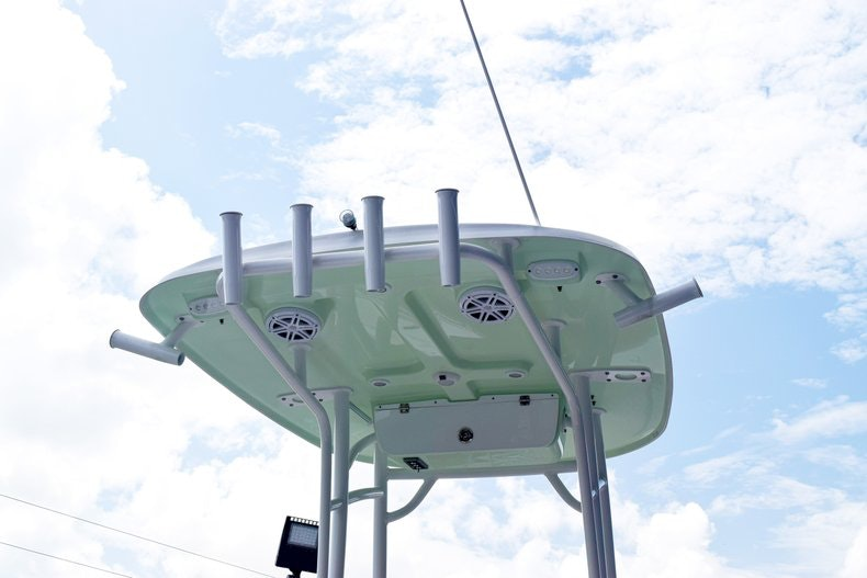 Thumbnail 5 for New 2019 Sportsman Heritage 231 Center Console boat for sale in Miami, FL