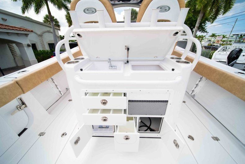 Thumbnail 11 for New 2019 Sportsman Open 312 Center Console boat for sale in West Palm Beach, FL