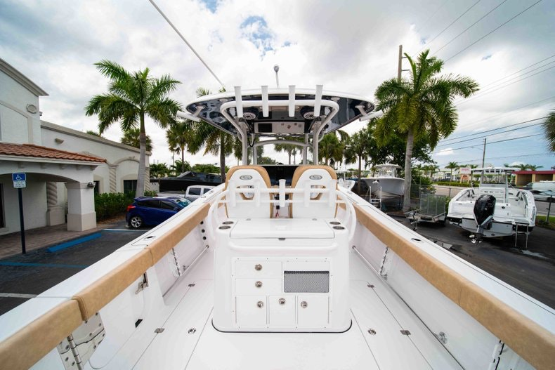 Thumbnail 8 for New 2019 Sportsman Open 312 Center Console boat for sale in West Palm Beach, FL