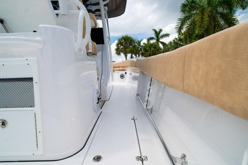 Thumbnail 17 for New 2019 Sportsman Open 312 Center Console boat for sale in West Palm Beach, FL