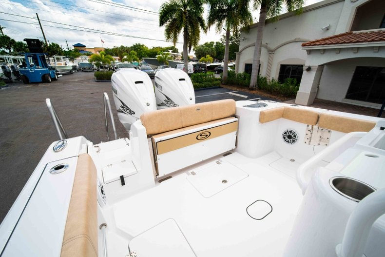 Thumbnail 13 for New 2019 Sportsman Open 312 Center Console boat for sale in West Palm Beach, FL