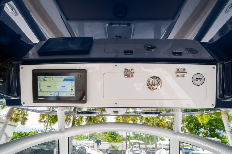 Thumbnail 31 for New 2019 Sportsman Open 312 Center Console boat for sale in West Palm Beach, FL