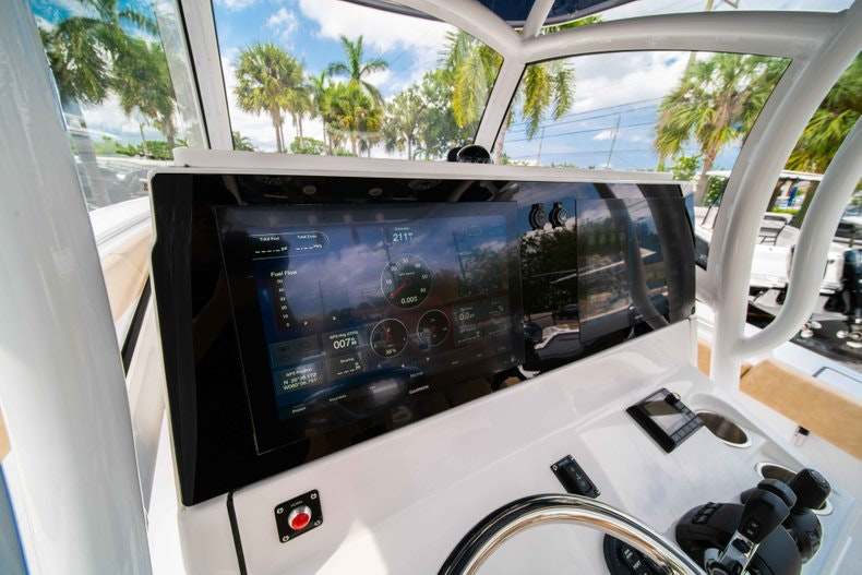 Thumbnail 30 for New 2019 Sportsman Open 312 Center Console boat for sale in West Palm Beach, FL