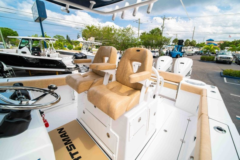 Thumbnail 36 for New 2019 Sportsman Open 312 Center Console boat for sale in West Palm Beach, FL
