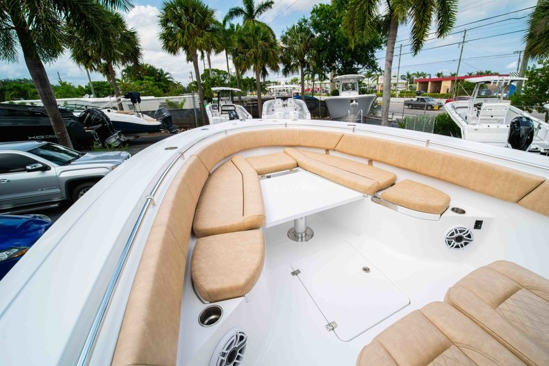 Thumbnail 41 for New 2019 Sportsman Open 312 Center Console boat for sale in West Palm Beach, FL