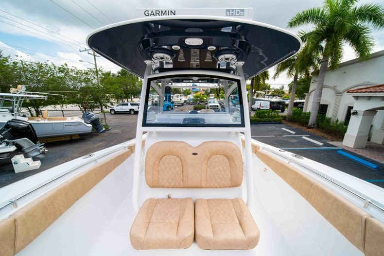 Thumbnail 42 for New 2019 Sportsman Open 312 Center Console boat for sale in West Palm Beach, FL