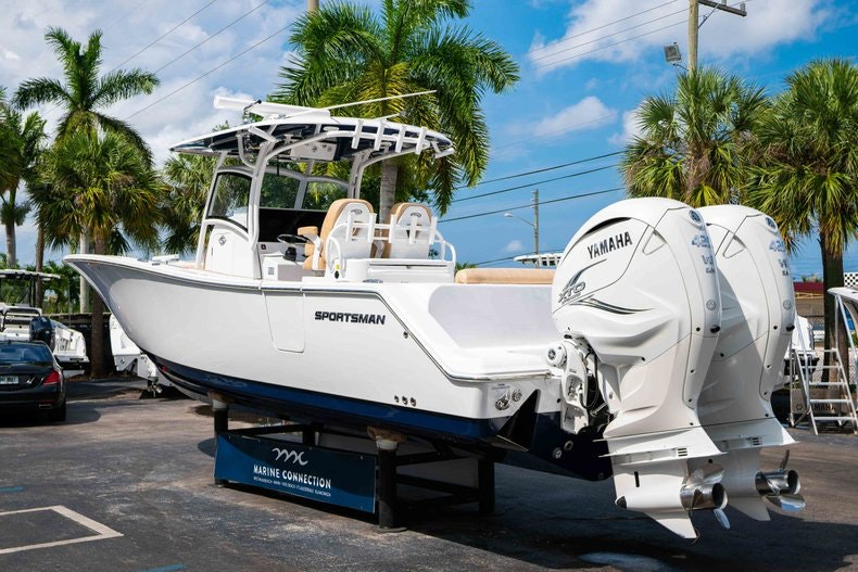 Thumbnail 5 for New 2019 Sportsman Open 312 Center Console boat for sale in West Palm Beach, FL