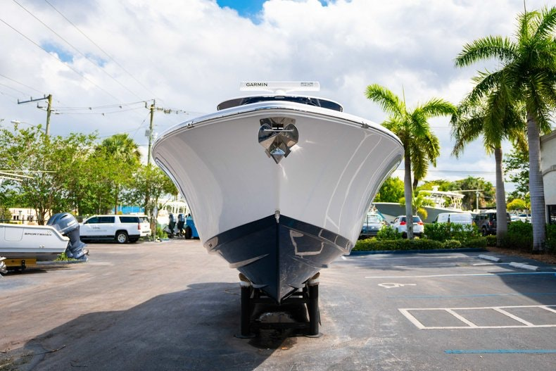 Thumbnail 2 for New 2019 Sportsman Open 312 Center Console boat for sale in West Palm Beach, FL
