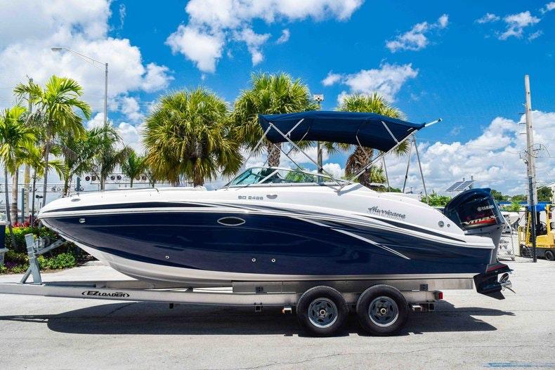 Thumbnail 4 for New 2019 Hurricane SunDeck SD 2486 OB boat for sale in Fort Lauderdale, FL