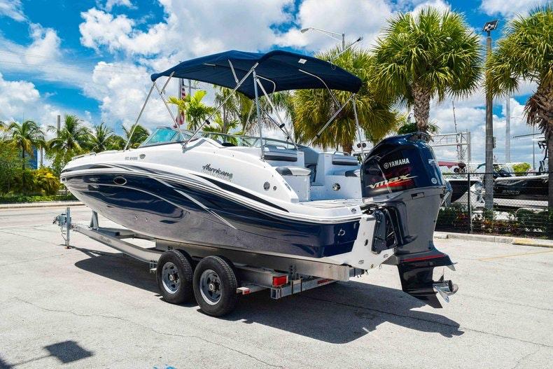 Thumbnail 5 for New 2019 Hurricane SunDeck SD 2486 OB boat for sale in Fort Lauderdale, FL