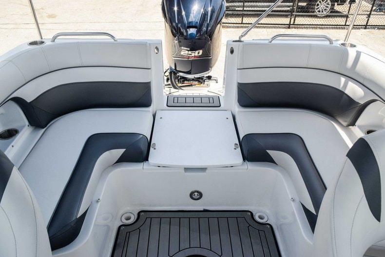 Thumbnail 21 for New 2019 Hurricane SunDeck SD 2486 OB boat for sale in Fort Lauderdale, FL