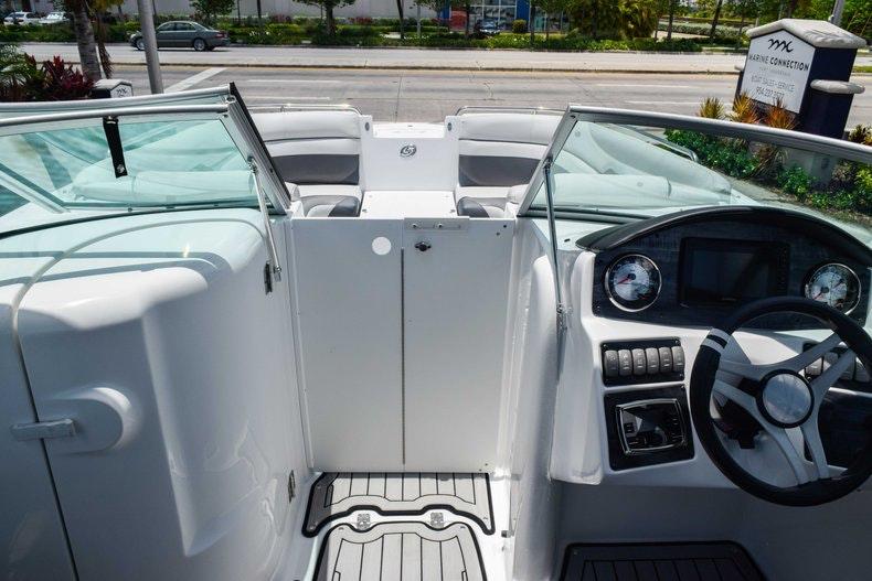Thumbnail 58 for New 2019 Hurricane SunDeck SD 2486 OB boat for sale in Fort Lauderdale, FL