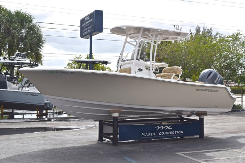 Thumbnail 3 for Used 2017 Sportsman Open 212 Center Console boat for sale in West Palm Beach, FL