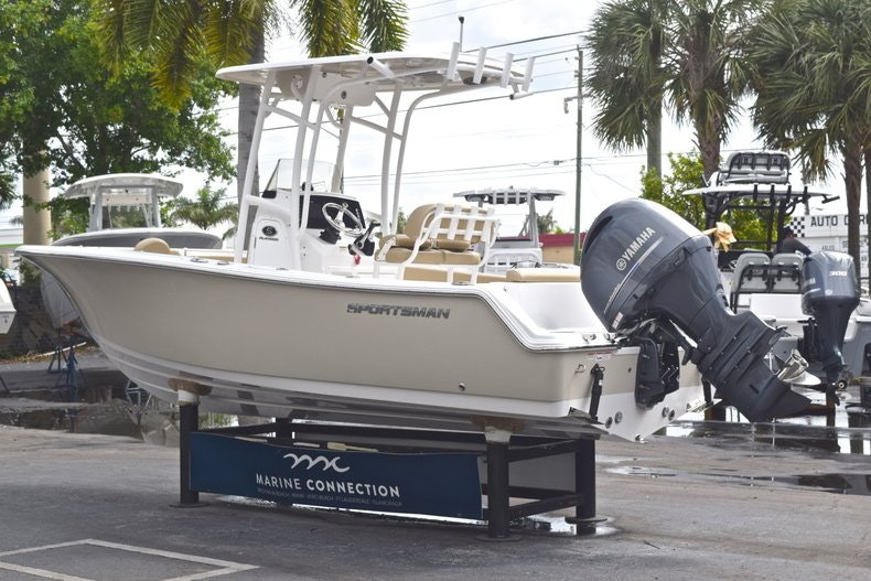 Thumbnail 5 for Used 2017 Sportsman Open 212 Center Console boat for sale in West Palm Beach, FL