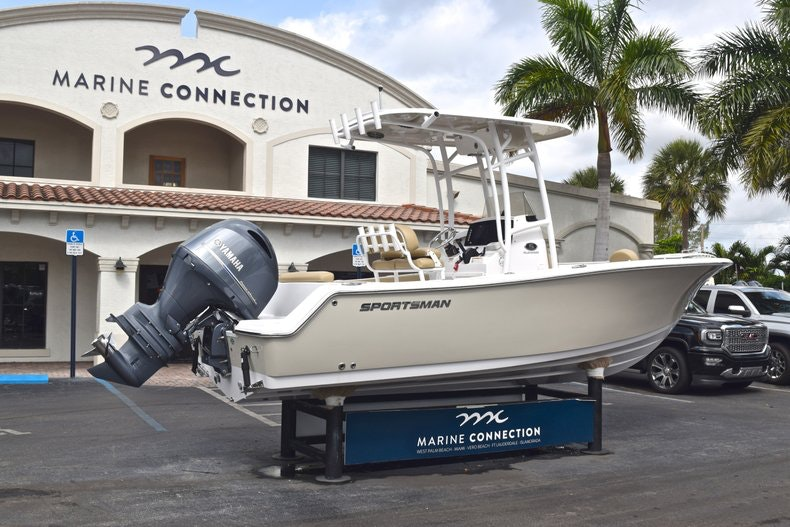 Thumbnail 7 for Used 2017 Sportsman Open 212 Center Console boat for sale in West Palm Beach, FL