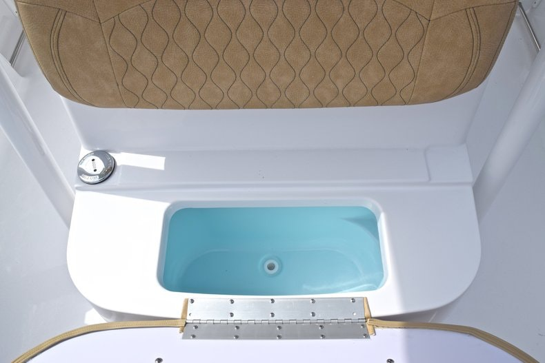 Thumbnail 46 for New 2019 Sportsman Heritage 241 Center Console boat for sale in Islamorada, FL