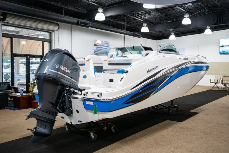 Thumbnail 7 for New 2019 Hurricane SunDeck SD 2486 OB boat for sale in West Palm Beach, FL